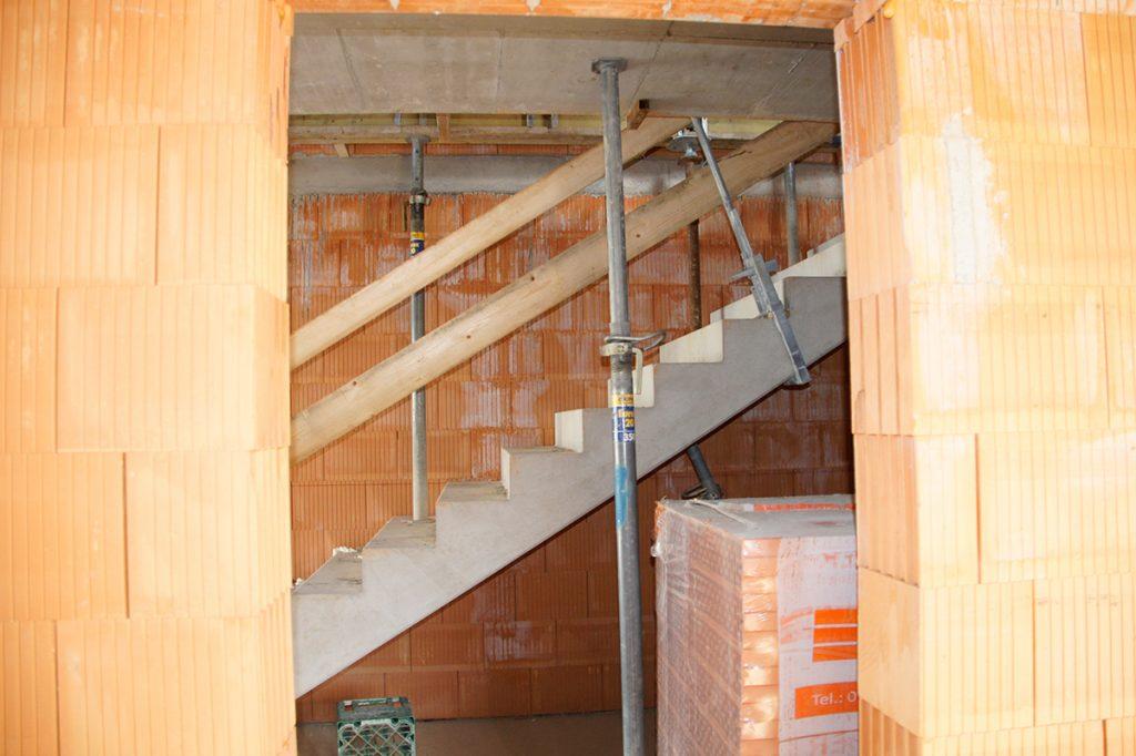 Kellerer Bau Transporte Kranarbeiten- Anthering - Salzburg Ein neues Firmengebäude wird errichtet