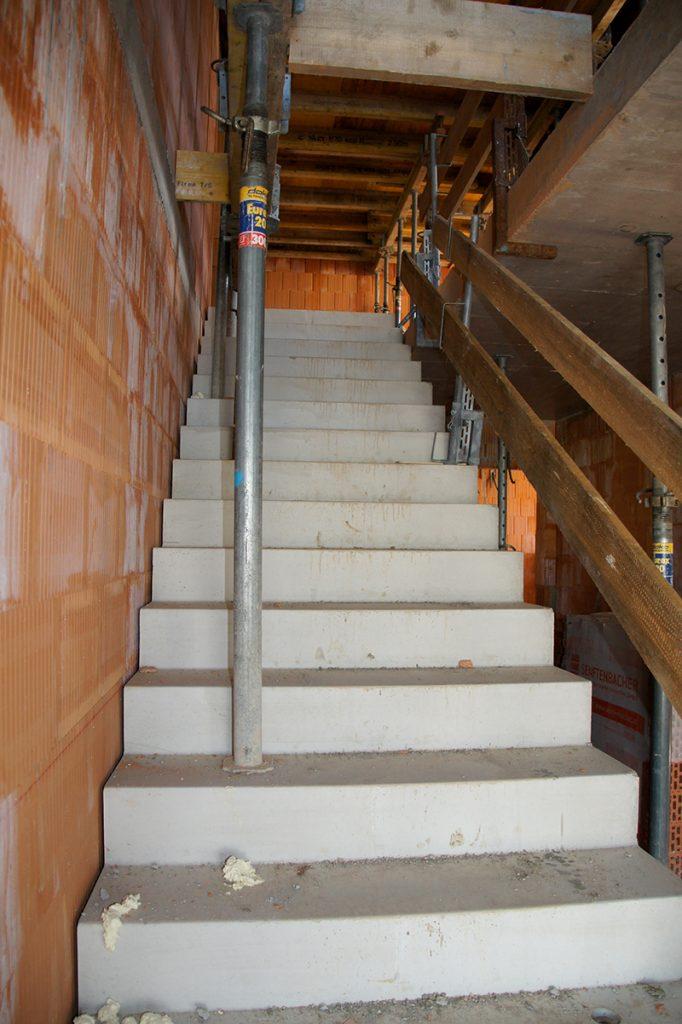 treppenaufgang der Baustelle Kellererbau Neubau